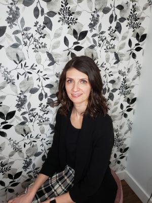 Dr. Sarah Tucker